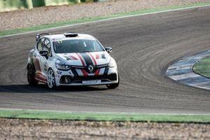 Albert Legutko, Renault Clio Cup Central Europe, Renault Clio