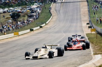 Riccardo Patrese, Arrows FA1 Ford leads Niki Lauda, Brabham BT46 Alfa Romeo and Patrick Depailler, Tyrrell 008 Ford