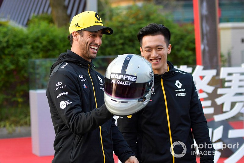 Daniel Ricciardo, Renault F1 Team, Guanyu Zhou