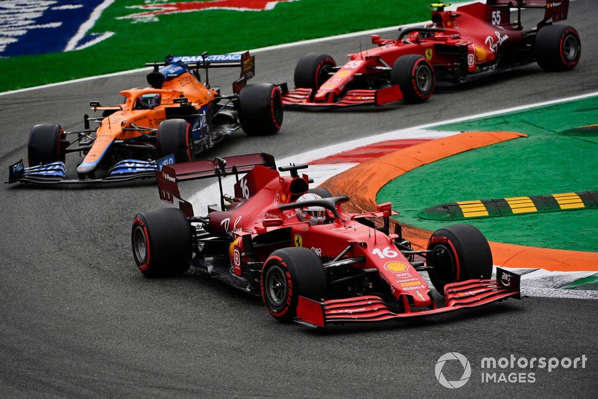 Charles Leclerc, Ferrari SF21, Daniel Ricciardo, McLaren MCL35M, Carlos Sainz Jr., Ferrari SF21