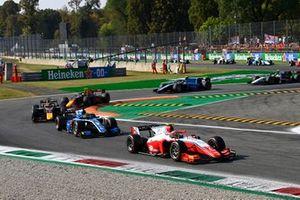 Oscar Piastri, Prema Racing, Guanyu Zhou, Uni-Virtuosi Racing, Liam Lawson, Hitech Grand Prix, and Jehan Daruvala, Carlin