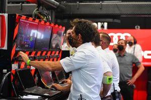 Crew: Audi Sport ABT Schaeffler
