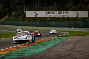 #22 GPX Martini Racing Porsche 911 GT3-R: Matt Campbell, Earl Bamber, Mathieu Jaminet