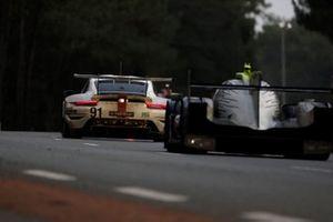 #91 Porsche GT Team Porsche 911 RSR - 19 LMGTE Pro of Gianmaria Bruni, Richard Lietz, Frederic Makowiecki