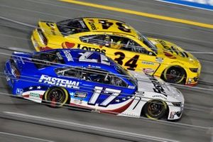 Chris Buescher, Roush Fenway Racing, Ford Mustang Fastenal and Michael McDowell, Front Row Motorsports, Ford Mustang Love's Travel Stops