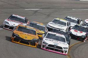 Daniel Hemric, Joe Gibbs Racing, Toyota Supra Poppy Bank, Austin Cindric, Team Penske, Ford Mustang Carshop