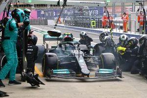 Valtteri Bottas, Mercedes W12, en boxes