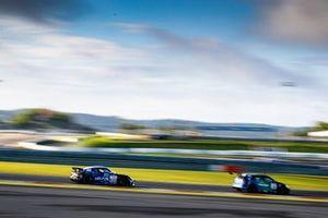 #420 Porsche Cayman GT4: Matthias Beckwermert, Immanuel Vinke, Henrik Bollerslev