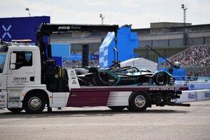 La monoplace endommagée de Mitch Evans, Jaguar Racing, Jaguar I-TYPE 5
