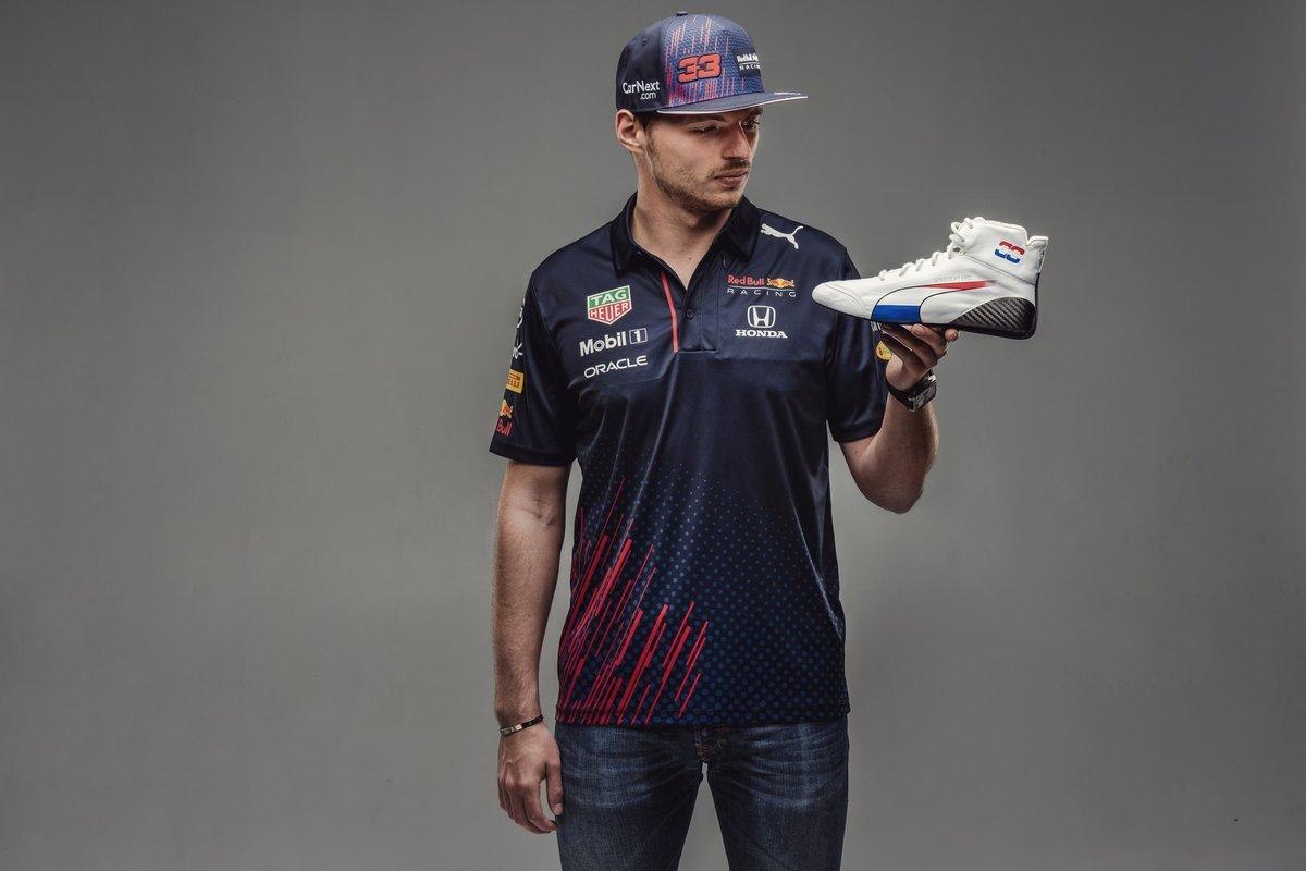 Max Verstappen, Red Bull Racing met Dutch GP schoen