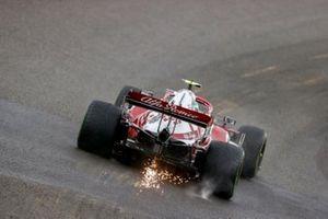 Sparks trail from Antonio Giovinazzi, Alfa Romeo Racing C41