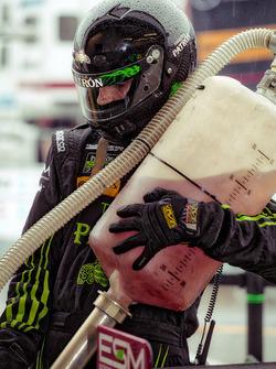 Un membre d'ESM Racing