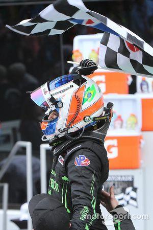 Победитель гонки - Пипо Дерани, ESM Racing празднует