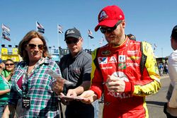 Dale Earnhardt Jr., Hendrick Motorsports Chevrolet with fans