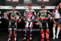 Второе место - Джонатан Рей, Kawasaki Racing Team, обладатель поула - Михаэл ван дер Марк, Honda WSB