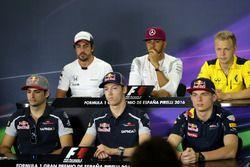 Carlos Sainz Jr., Scuderia Toro Rosso, Daniil Kvyat, Scuderia Toro Rosso y Max Verstappen, Red Bull