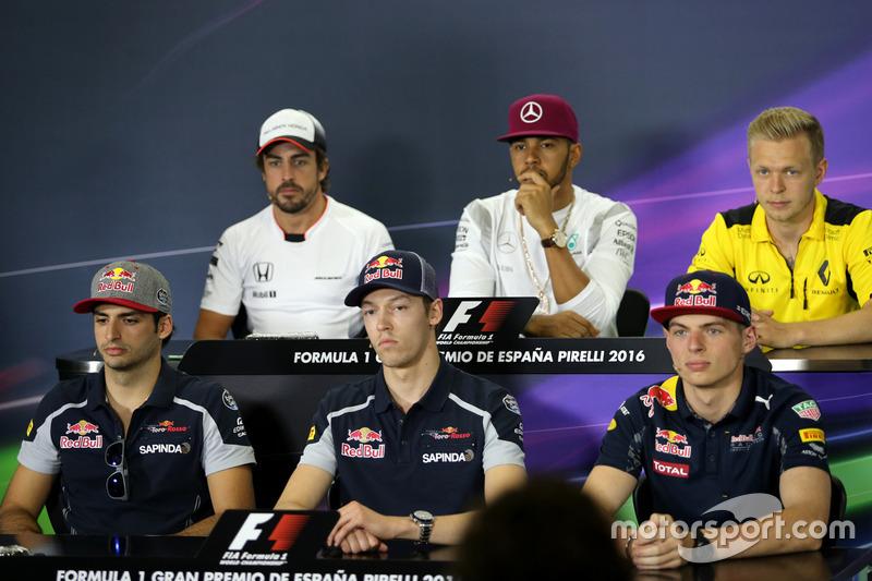 Carlos Sainz Jr., Scuderia Toro Rosso; Daniil Kvyat, Scuderia Toro Rosso; Max Verstappen, Red Bull Racing