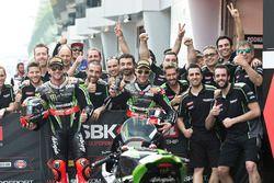 Yarış galibi Tom Sykes, Kawasaki Racing, Jonathan Rea, Kawasaki Racing