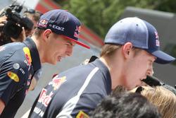 Max Verstappen, Red Bull Racing et Daniil Kvyat, Scuderia Toro Rosso avec les médias