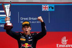 Podium: le vainqueur Pierre Gasly, Prema Racing
