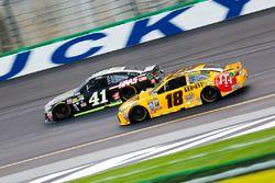 Kyle Busch, Joe Gibbs Racing, Toyota; Kurt Busch, Stewart-Haas Racing, Chevrolet