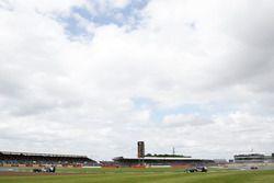 Felipe Nasr, Sauber C35, précède son équipier Marcus Ericsson, Sauber C35