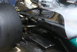 Détails de la suspension arrière de la Mercedes