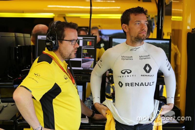 Jolyon Palmer, Renault Sport F1 Team con Julien Simon-Chautemps, ingegnere di pista Renault Sport F1 Team