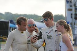 Antonio Garcia, Jan Magnussen, Tommy Milner, Corvette Racing watching the crash of Kevin Magnussen,