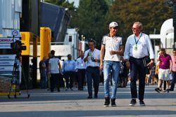 Esteban Gutiérrez, Haas F1 Team con Didier Coton, Manager del piloto