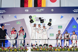 #1 Porsche Team Porsche 919 Hybrid: Тимо Бернхард, Марк Уэббер и Брендон Хартли (победители); #7 Aud