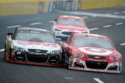 Kyle Larson, Chip Ganassi Racing Chevrolet, Chase Elliott, Hendrick Motorsports Chevrolet