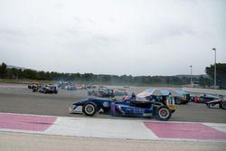 Старт - Джоэль Эрикссон, Motopark Dallara F312 – Volkswagen и Чжи Конг Ли, Carlin Dallara F312 – Vol