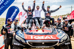 Winner #104 Peugeot: Cyril Despres, David Castera