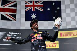 Podio: tercer lugar Daniel Ricciardo, Red Bull Racing