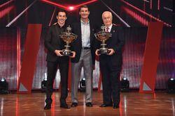 Le Champion Simon Pagenaud, Team Penske Chevrolet avec Roger Penske et Tim Cindric