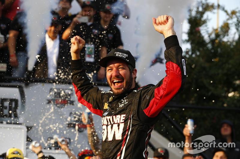 Winnaar Martin Truex Jr., Furniture Row Racing Toyota