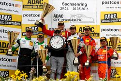 Podio: segundo lugar #50 YACO Racing, Audi R8 LMS: Philip Geipel, Rahel Frey; Ganador #77 Callaway C