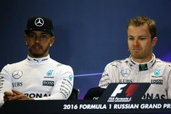 Press conference: winner Nico Rosberg, Mercedes AMG F1 Team, second place Lewis Hamilton, Mercedes AMG F1 Team