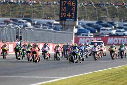 Start: Valentino Rossi, Yamaha Factory Racing leads