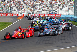 Départ : Scott Dixon, Chip Ganassi Racing Chevrolet, en pole