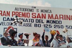Podio: ganador de la carrera Pierpaolo Bianchi, segundo lugar Jorge Martínez y tercer lugar Manuel H