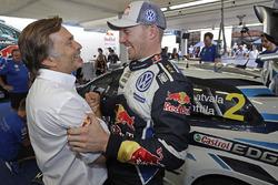 Tweede plaats Jari-Matti Latvala, Volkswagen Motorsport, Jost Caputo