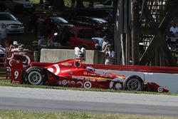 Crash: Scott Dixon, Chip Ganassi Racing, Chevrolet