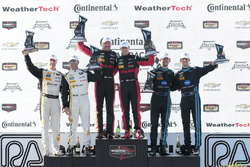Overall podium: ganadores, Eric Curran, Dane Cameron, Action Express Racing, segundos, Christian Fit