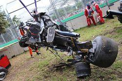 El McLaren MP4-31 de Fernando Alonso, McLaren después del accidente