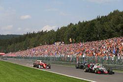 Kimi Raikkonen, Ferrari SF16-H con daño en el inicio de la carrera