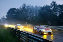 #3 Frikadelli Racing Team, Porsche 911 GT3 R: Klaus Abbelen, Sabine Schmitz, Patrick Huisman, Norber
