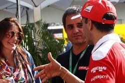 Juan Pablo Montoya, con la moglie Connie Montoya, e Marc Gene, pilota collaudatore Ferrari