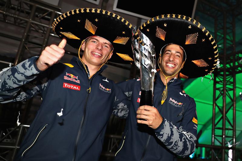 Definitivamente Verstappen era 4º y Ricciardo 3º. El holandés fue clave para la resolución final de la carrera. Un gran premio que tuvo hasta tres terceros clasificados.
